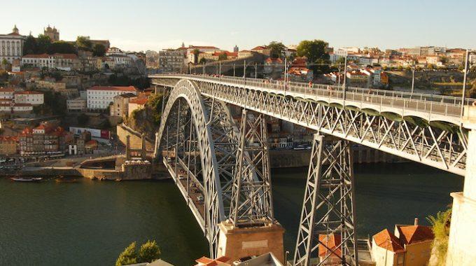 Tanie loty do Porto z Poznania 250 zł RT + Paryż w cenie