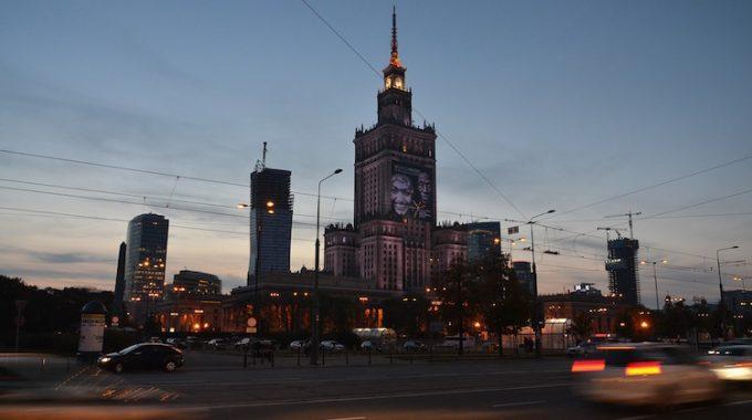 Tanie loty ze Szczecina do Warszawy za 70 zł OW i 157 zł RT (LOT)