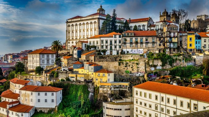 Zestawienie zimowych lotów do Porto z Berlina od 210 zł RT (Ryanair)