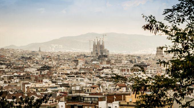Barcelona za 148 zł RT, Saragossa lub Walencja + 46 zł (Wizz Air)