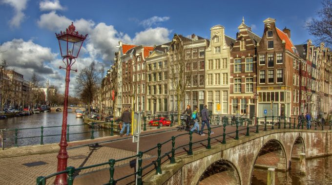 Dwa dni w Amsterdamie z Berlina za 203 zł RT (easyJet)