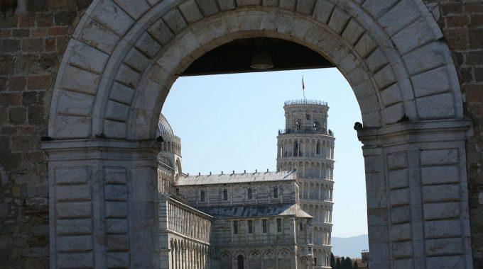 Krzywa Wieża w Pizie + Mediolan z Berlina za 197 zł (easyJet, Trenitalia)