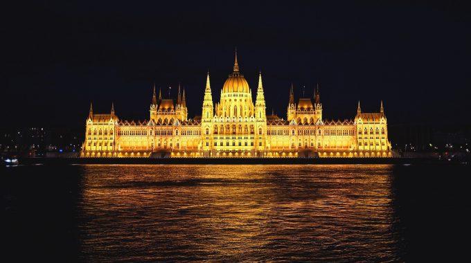 Tanie loty do Budapesztu z Berlina za 116 zł RT (easyJet)