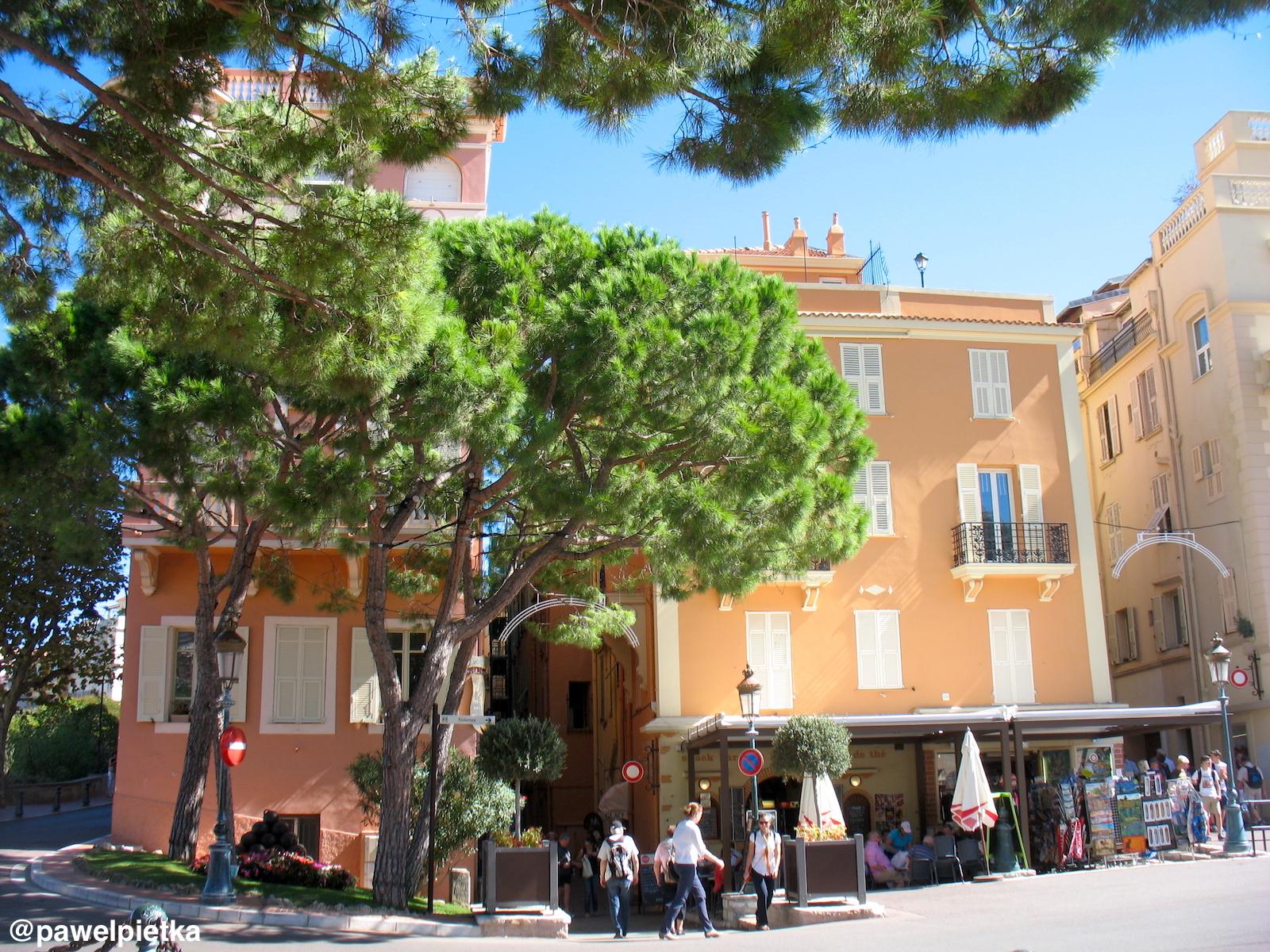 13 Monako kamienice Place du Palais
