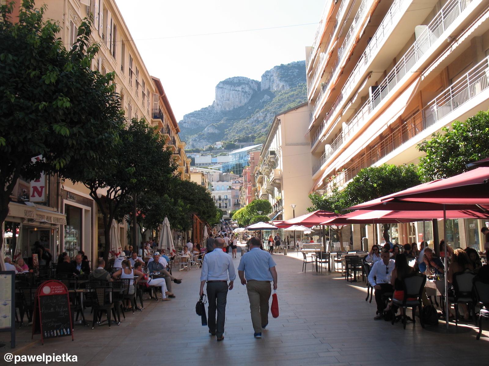 21 Monako La Condamine ulica kawiarnie