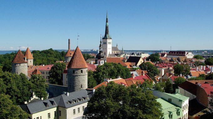 Tallinn i Ryga ze Szczecina za 185 zł RT (Ryanair, Simple Express)