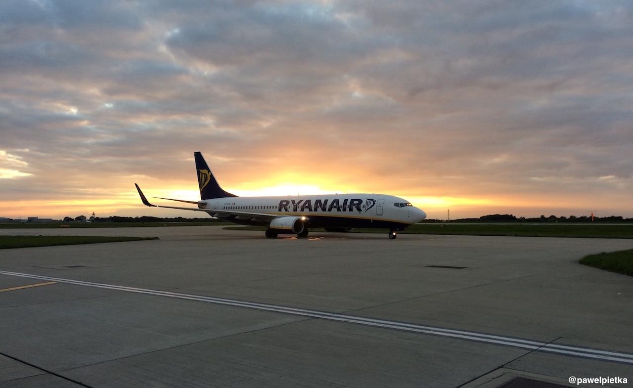 London Londyn Stansted Ryanair zachod slonca