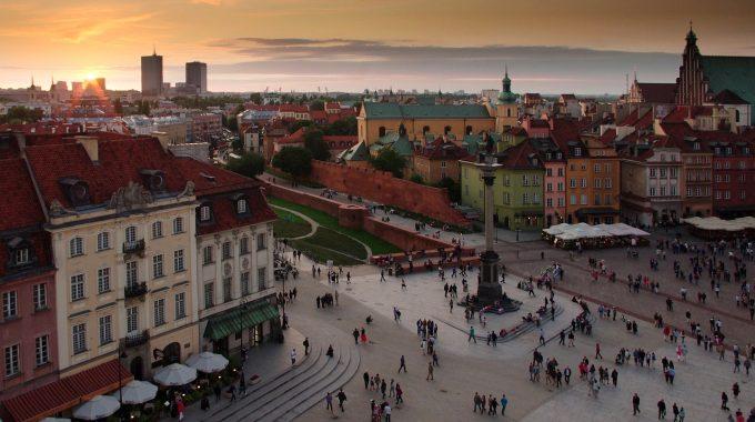 Szalona Środa: Warszawa ze Szczecina za 159 zł RT z bagażem (LOT)