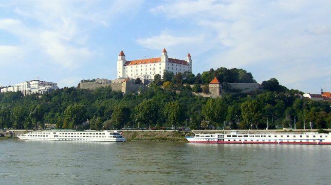Weekend w Bratysławie z Berlina za 86 zł RT (Ryanair)