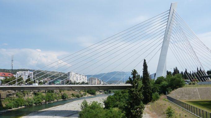 Tanie loty do Czarnogóry: Podgorica z Berlina za 132 zł RT (Ryanair)